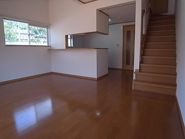物件番号: 1111201941  神戸市北区谷上東町 3SLDK テラスハウス 画像1