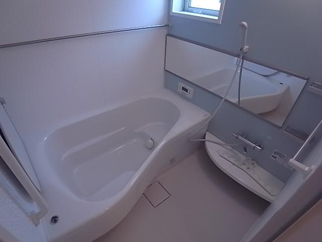 物件番号: 1111287938  神戸市垂水区名谷町 3LDK テラスハウス 画像3