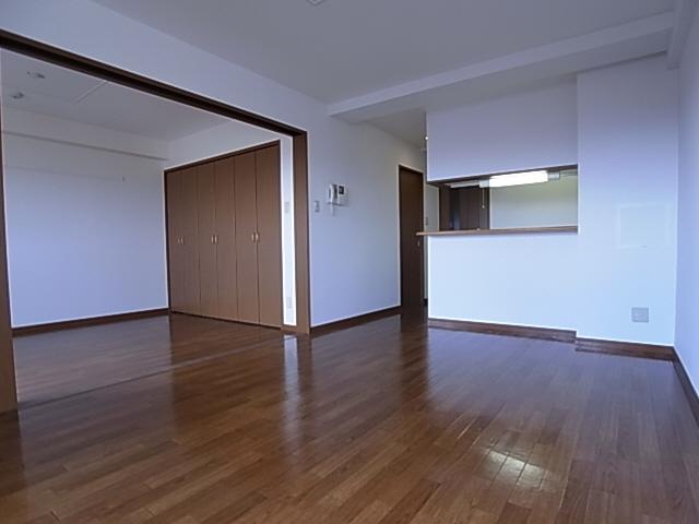 物件番号: 1111263437  神戸市須磨区白川台5丁目 2LDK マンション 画像1