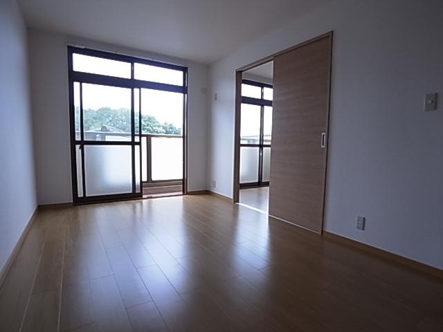 物件番号: 1111274849  神戸市北区山田町小部字大東 2LDK アパート 画像1