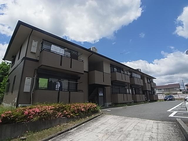 閑静な住宅街 この地域にあまりない賃貸物件の為人気です 105の外観