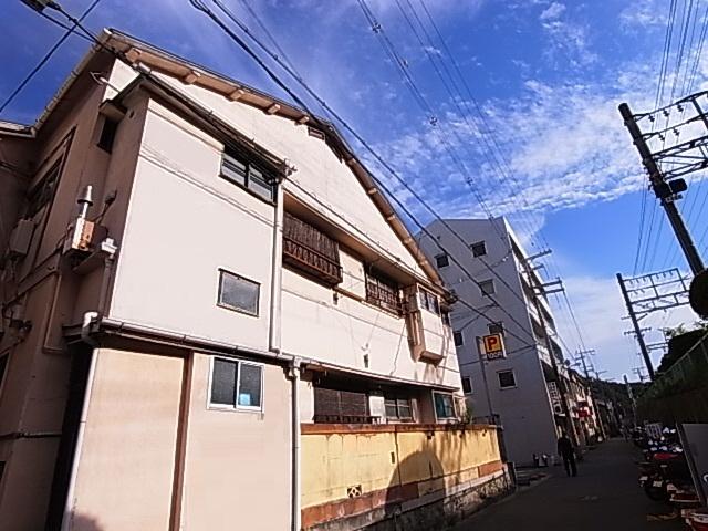 駅までスグの立地^^総額5.5万円で入居可能^^ 11の外観
