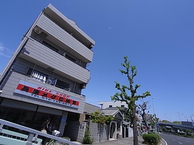 須磨水族館すぐの人気の1DK^^三点セパレート、南向き^^ 401の外観
