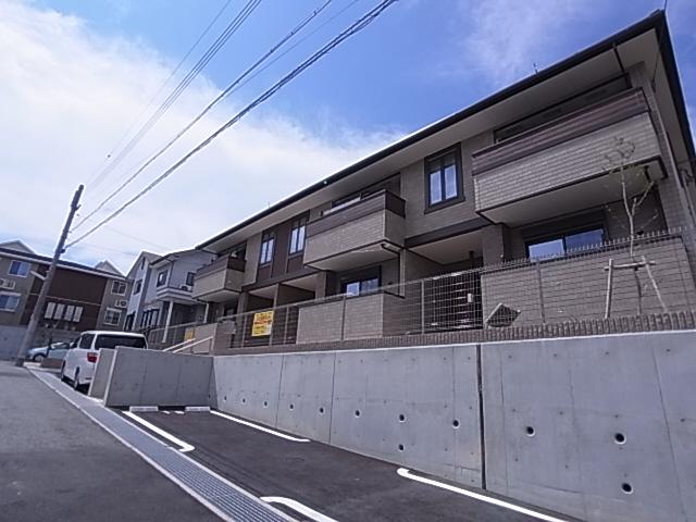物件番号: 1111215646 カーサ・コリーナⅡ  神戸市北区上津台2丁目 2DK ハイツ 外観画像