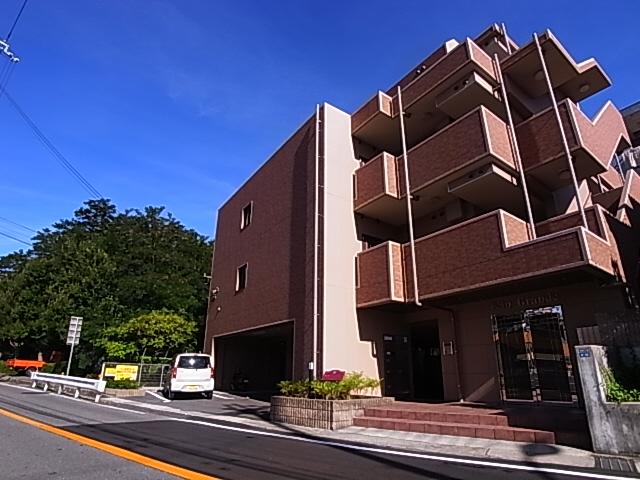 物件番号: 1111282124  神戸市北区鈴蘭台東町2丁目 1K マンション 外観画像