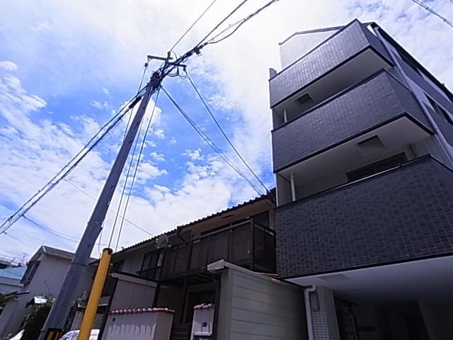 パイン神戸元町 302の外観